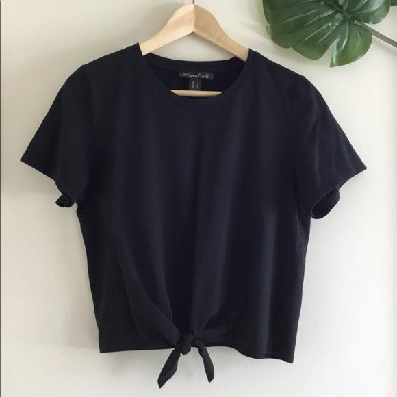 Cute and simple black tie-front crop top 🍄